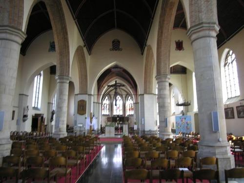 Heuvelland Nieuwkerke Markt 80 kerk