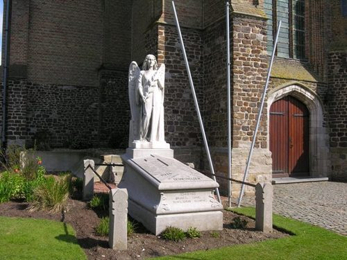 Ieper Zillebeke Zillebeke-Dorp 7 Parochiekerk Sint-Catharina Kerkhof