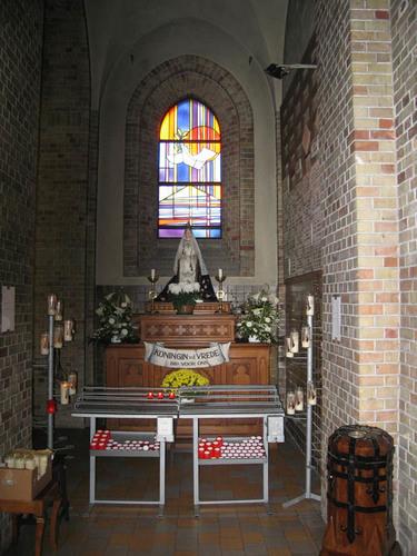 Koekelare Ommegangstraat zonder nummer interieur van parochiekerk van De Mokker