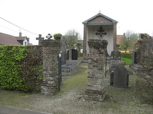 Koekelare Sint Andriesstraat zonder nummer calvarie op het kerkhof bij de Sint-Andrieskerk