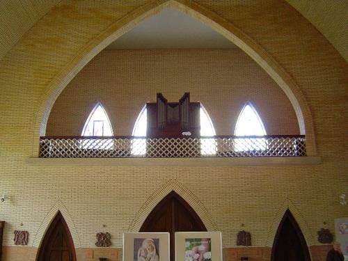 Izegem Ter Beursplein zonder nummer Orgel in de parochiekerk Heilige Familie