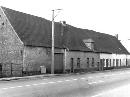 SintPietersLeew_SteenwegopBergen_166_168_toestand1975
