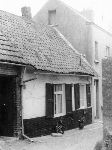 SintPietersLeew_Oudenakenstraat_5_toestand1974