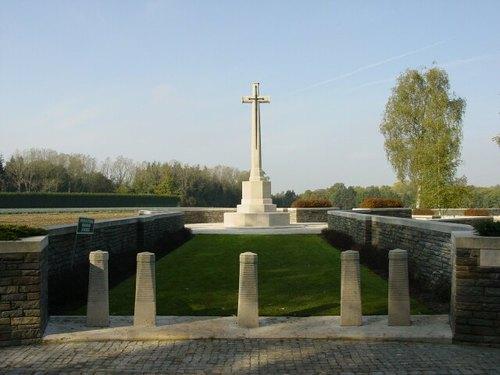 Zonnebeke: Polygon Wood Cemetery: toegang