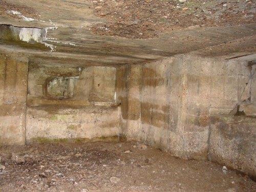 Zonnebeke: Groenestraat: Duitse mitrailleursbunker: binnenruimte