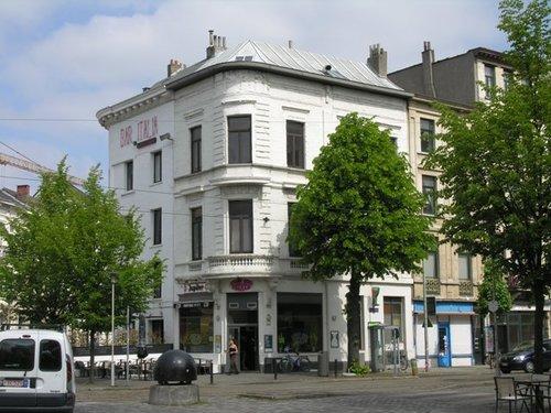Antwerpen Hoekpand Leopold de Waelplaats, Volkstraat 76 - Graaf van Egmontstraat 59