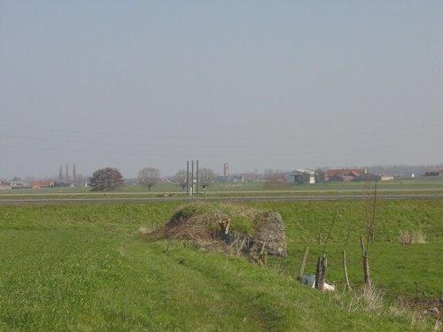 Zonnebeke: Nonnebossenstr 15: Britse constructie: ligging