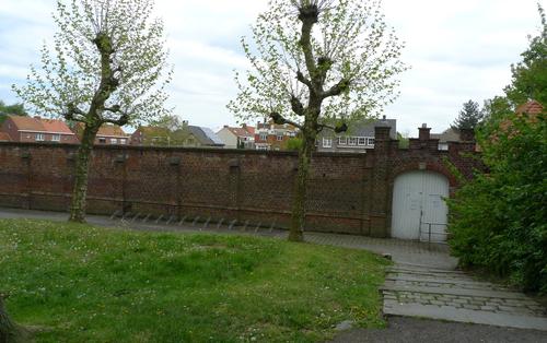 Ieper Lange Torhoutstraat 54 openluchtzwembad enkelmuur