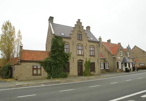 Bruggesteenweg 83-85
