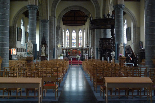 Ieper Sint-Pieterskerkhof 87 Interieur van de kerk