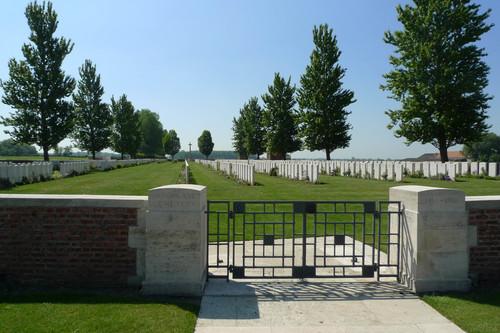 Ieper Zonnebeekseweg zonder nummer Aeroplane Cemetery