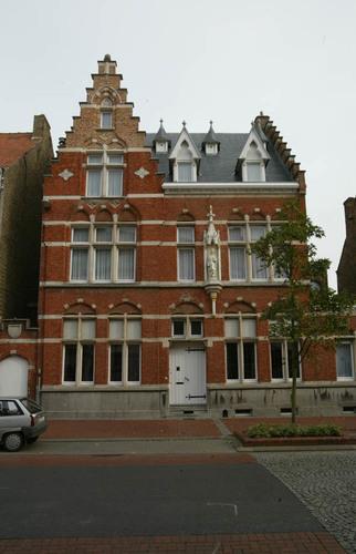 Kerkstraat 16