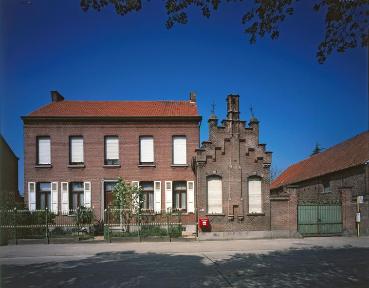 Gracieus burgerhuis (1884) Dries te Opdorp (Oost-Vlaanderen)