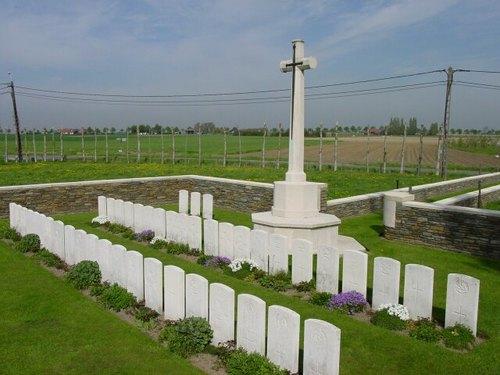 Langemark: Bridge House Cemetery: Overzicht