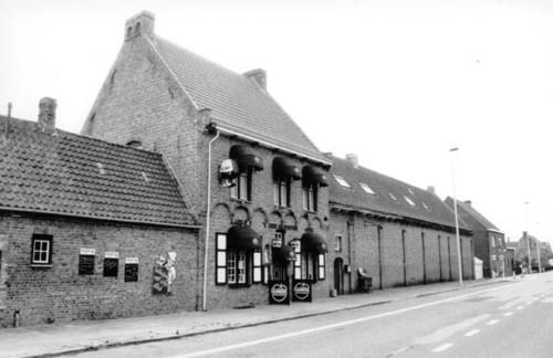 Bruggesteenweg 107-107a