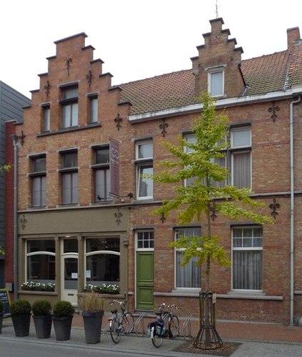 Izegem Gentsestraat 12-16-18