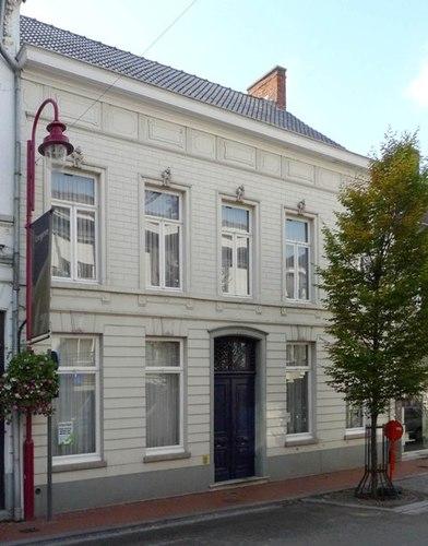 Izegem Roeselaarsestraat 27
