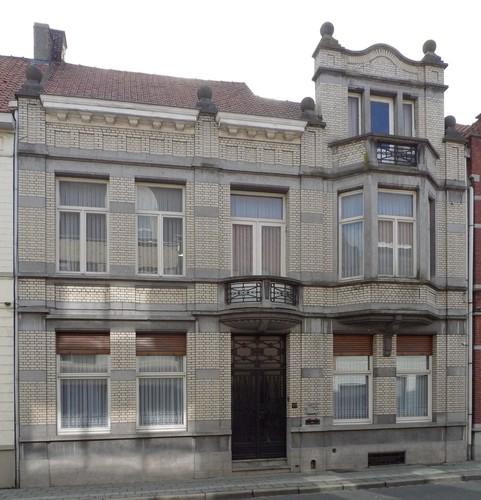 Izegem Roeselaarsestraat 107
