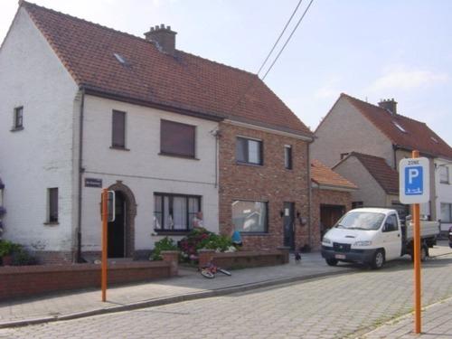 Zonnebeke Alb. Rodenbach plein 1-12