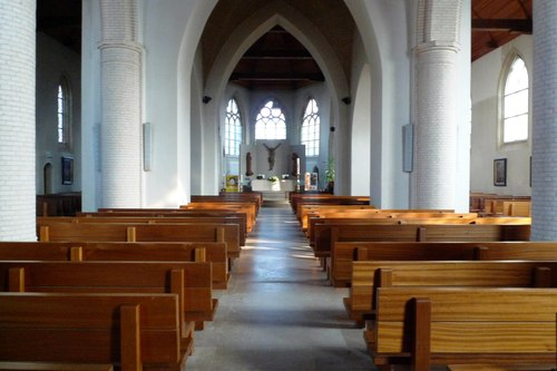 Vleteren Oostvleterendorp zonder nummer interieur van de Sint-Amatuskerk
