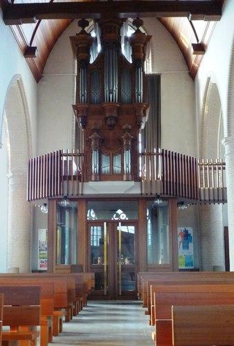 Vleteren Oostvleterendorp zonder nummer Orgel in parochiekerk Sint-Amatus