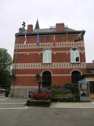 Wezembeek-Oppem_LouisMarcelisstraat_gemeentehuis_01