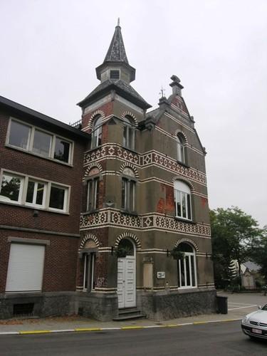 Wezembeek-Oppem_LouisMarcelisstraat_gemeentehuis_05