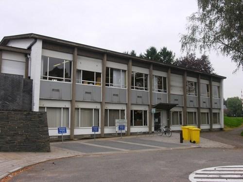 Wezembeek-Oppem_LouisMarcelisstraat_Gemeenteschool_01