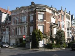 Gekoppelde burgerhuizen, architectenwoning Laurent Duvivier
