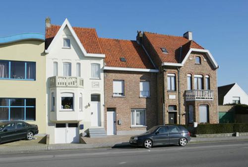 Knokke-Heist Dorpsstraat 7 en 11