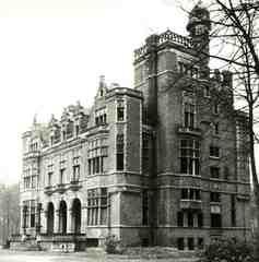 Hallerhof, nu gemeentehuis