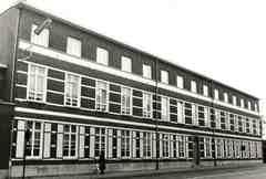 Klooster- en schoolgebouw