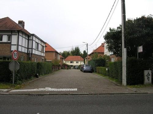Sint-Genesius-Rode, Grote Hutsesteenweg 175-183A