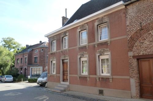 Voeren Kerkstraat 6