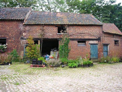 Sint-Genesius-Rode Hof  Ten Hout 80, 80A-B