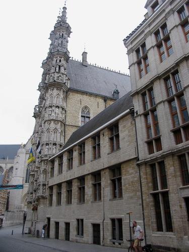 Leuven Grote Markt 8, 8A, 9, Boekhandelstraat 2, Naamsestraat 3 Conserverije