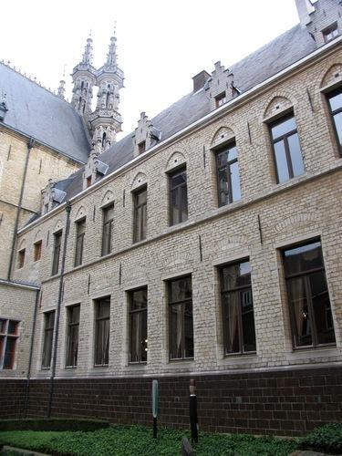 Leuven Grote Markt 8, 8A, 9, Boekhandelstraat 2, Naamsestraat 3 Achterste huis