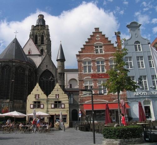 Oudenaarde Markt 49-50-51