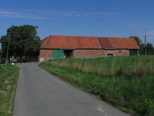 Roosdaal Berchemstraat 32-34, 34A, Grotstraat 22