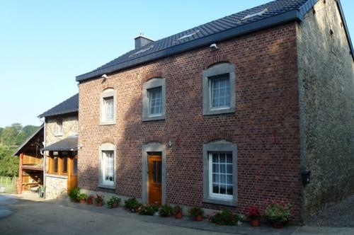 Voeren Sint-Pieterstraat 42