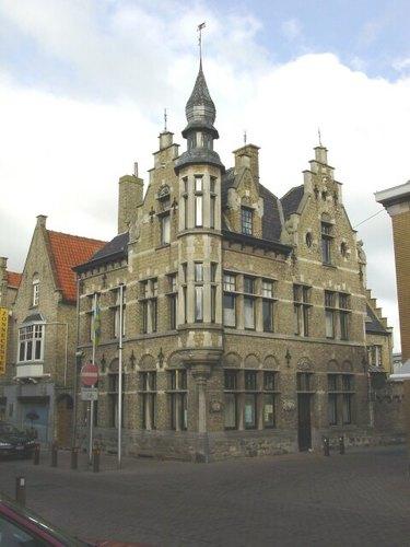 Diksmuide: Stedelijk Museum: buitenkant