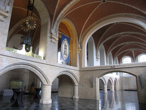 Leuven Naamsestraat 22, Oude Markt 13, Krakenstraat 2 universiteitshal verdieping