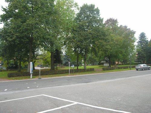 Wezembeek-Oppem_LouisMarcelisstraat_plein_1