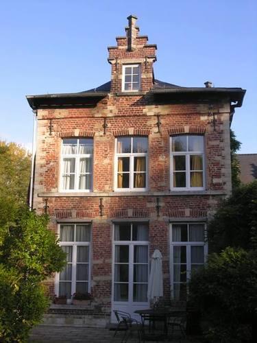 Wezembeek-Oppem_WezembeekOppem_SintPietersplein02_deBurbure_29