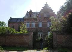 Villa De Proost met ommuurde tuin