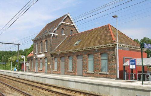 Dilbeek Stationsplein 1, 2