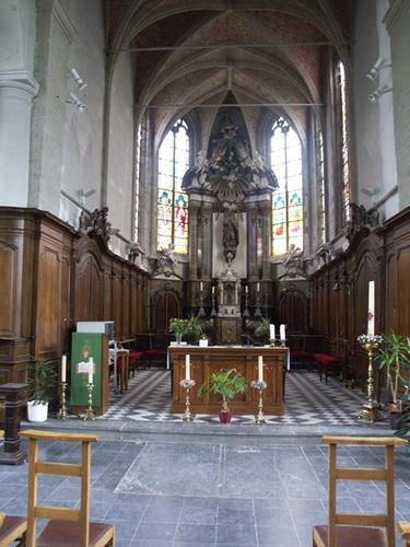 Wezembeek-Oppem Sint-Pietersplein zonder nummer kerk