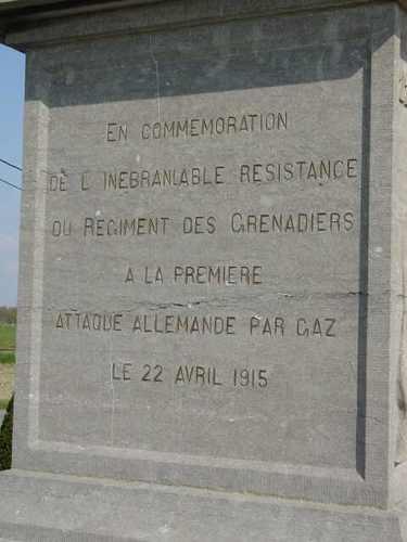 Zuidschote: Obelisk grenadiers: detail Franse tekst