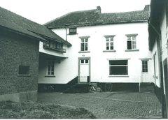 Gingelom Dorpsplein 5 (https://id.erfgoed.net/afbeeldingen/165609)