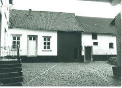 Gingelom Dorpsplein 5 (https://id.erfgoed.net/afbeeldingen/165610)